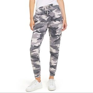 Splendid Camo Printed Jogger Sweatpants Gray
